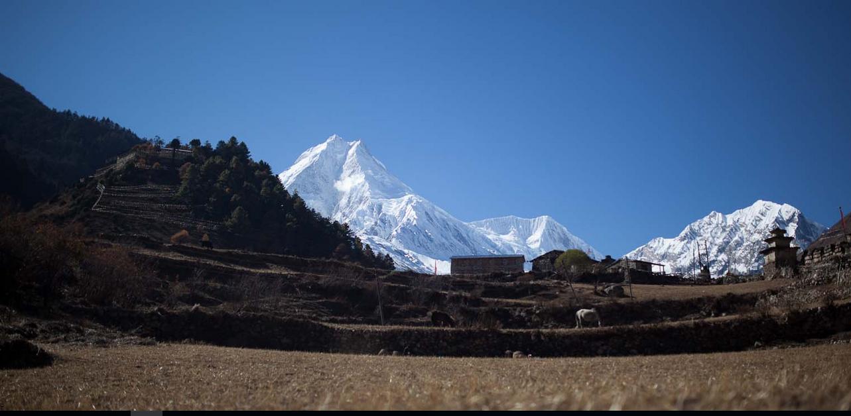 Trekking in manaslu