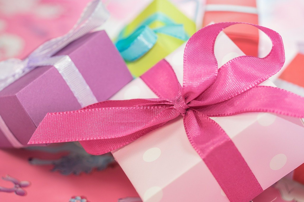 Gift Giving Tips