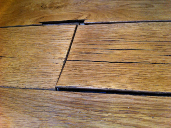 Ways to Minimize Water Damage to Wood Floor